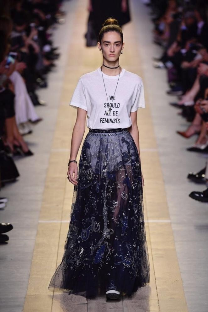 camisetas com frases tendencia voltou 2017 blog loucuras de julia 01 dior