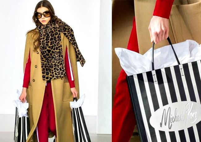 sacolas de compras como acessórios de luxo semana de moda nova york londres tendência 2018 inverno go fashion cruzeiro do sul 02 michael kors
