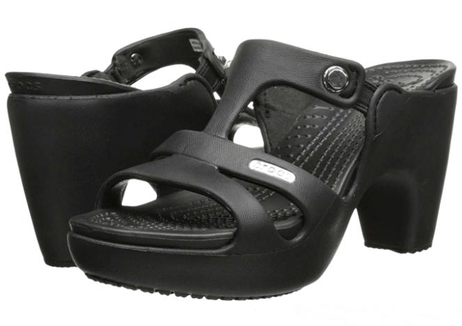 sandalia crocs com salto polêmica design moda fashion 2018 go fashion cruzeiro do sul 02 Crocs Cyprus V Heel black